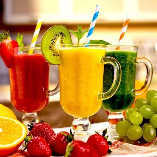 果物とスムージー